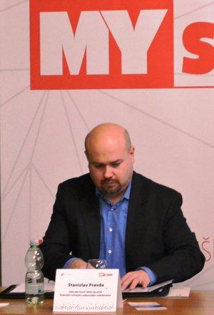 Stanislav Pravda, špecialista štátneho inštitútu odborného vzdelávania.