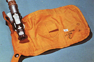 Zberná taška na moč z misií Apollo.