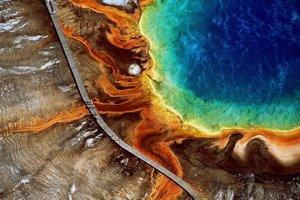 Najväčší termálny prameň v Yellowstone, Grand Prismatic Spring.