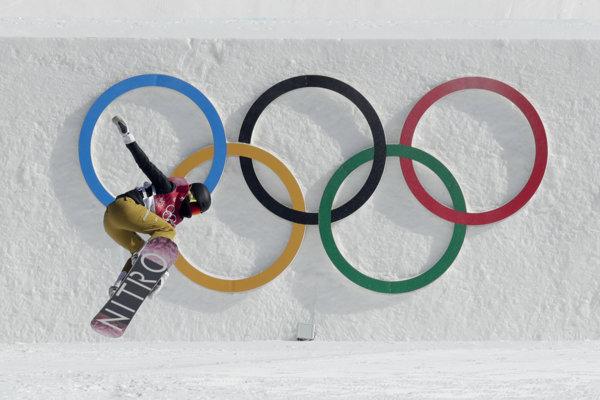 Nórka Silje Norendaová počas finále Big Air.
