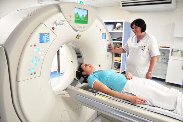 CT prístroj dokáže zmapovať celé telo.