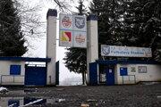 Vstupná brána na štadión v Lučenci.