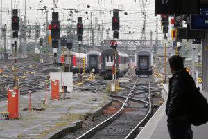 Viac vlakov, kvalita, ale i vlaky zadarmo. Toto Ficova vl�da na �eleznici urobila