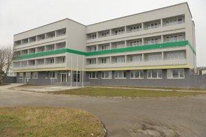 Nová budova cudzineckej polície na Regrútskej ulici vo Vajnoroch.