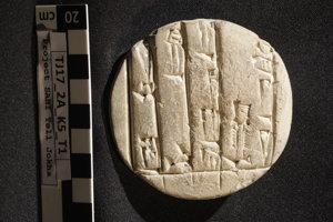 Slovenský tím našiel šesť tabuliek. Vieme, že pochádzajú z obdobia Akkadskej ríše, cez centralizovanú sumerskú ríšu až po babylonské obdobie.