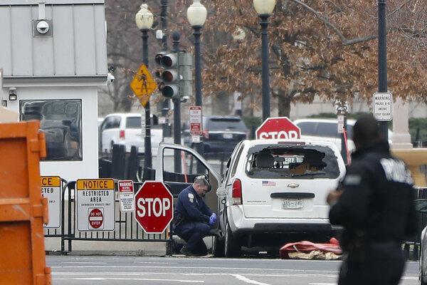 Ozbrojená žena nabúrala do bezpečnostnej bariéry Bieleho domu