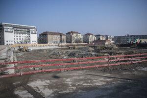Asanačné práce na mieste starej autobusovej stanice boli ukončené.
