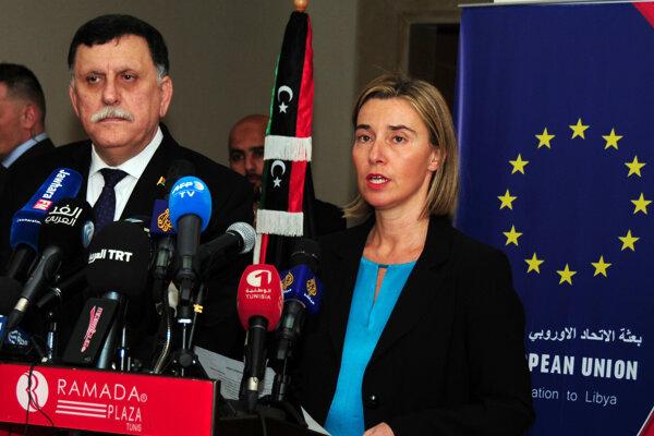 Federica Mogheriniová sa v Tunisku stretla s designovaným premiérom Fájizom Sarrádžom.