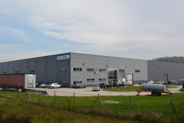 Prvým zahraničným investorom, ktorý zakotvil vNovej Vsi, bola belgická firma Furni Finish.