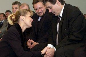11. október 2001.  Slávnostné zhromaždenia pri príležitosti 50. výročia strojárskej výroby Tatra Sipox, Bánovce nad Bebravou.
