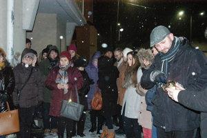 Spomienka na zavraždeného novinára so snúbenicou vo Vranove.