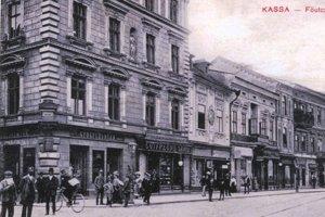Roh Hlavnej a Mlynskej ulice.