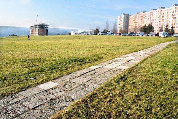 Pozemky na KVP. Mesto tam vlastní vyše 30-tisíc štvorákov. Chce zmeniť toto územie z občianskej vybavenosti na zeleň.