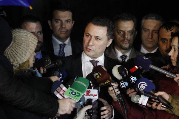 Macedónsky premiér Nikola Gruevski odstúpil z funkcie.