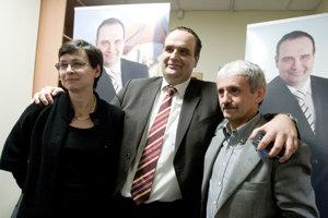 28. november 2009. Lucia Žitňanská, Pavol Frešo a Mikuláš Dzurinda po vyhlásení výsledkov krajských volieb.