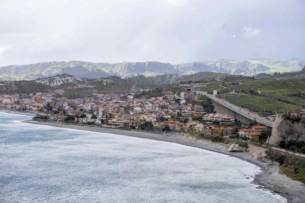 Dedina Bova Marina na samom juhu Talianska, v ktorej má adresu zadržaný Antonino Vadala.