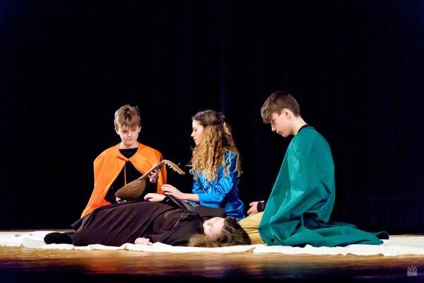 Mladí divadelníci z okresov Senica a Skalica budú súťažit už 27. marca.
