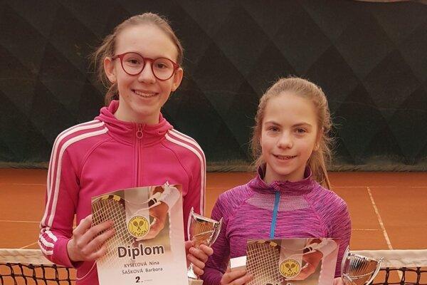 Zľava: Nina Kyseľová a Barbora Šašková.