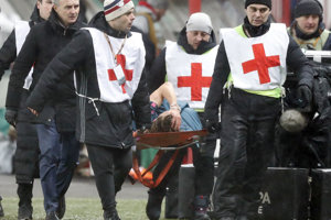 Ľavý obranca španielskeho futbalového klubu Atlético Madrid Filipe Luís utrpel na ihrisku ruského Lokomotivu Moskva (5:1) zlomeninu ihlice ľavej nohy.