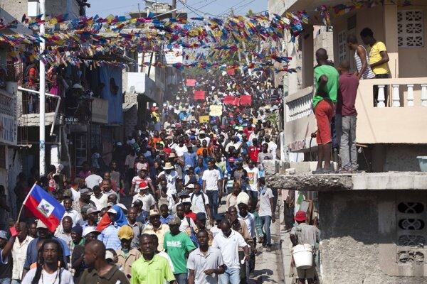 Protest proti zrušeniu vypísaných volieb na Haiti.