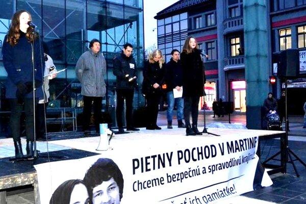Pietny pochod vMartine. Organizátorkami boli aj študentky zBilingválneho gymnázia vSučanoch.
