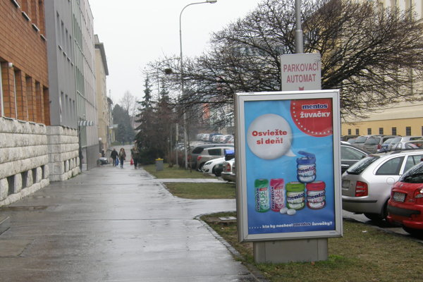 Odstránené budú aj citylighty z Damborského ulice.