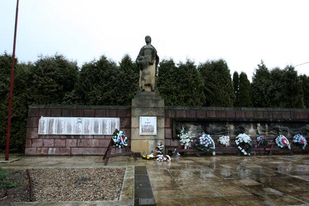 Takto vyzerá pamätník obetí v Kľaku.