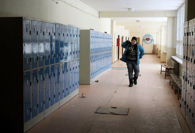 Prázdnotou zívali aj chodby Základnej školy U Filipa.