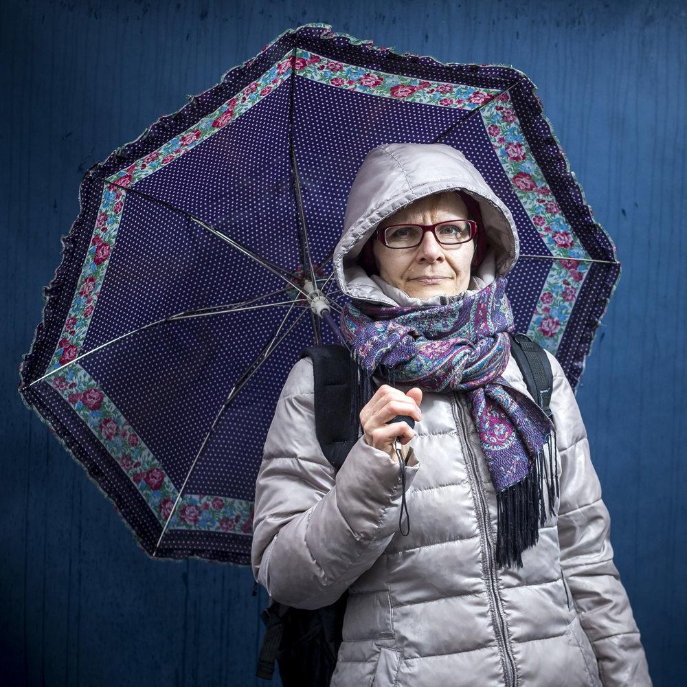 Alena učí na MŠ vBratislave. Vškolstve pracuje tridsaťštyri rokov splatom šesťstodvadsať eur.