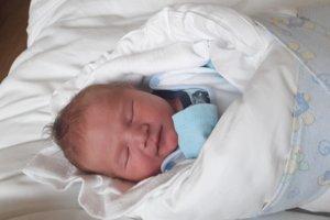 Filip Kebísek (3680 g, 51 cm) sa narodil 12. marca Ľubomíre a Milošovi z Novej Dubnice. Je to ich prvé dieťa.