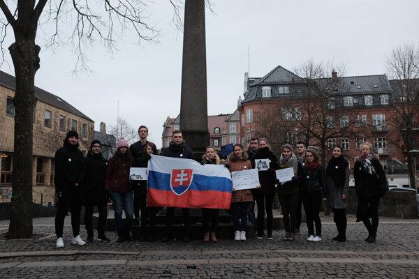 Aj v dánskom Aalborgu sa slovenskí študenti postavili za slušné Slovensko.