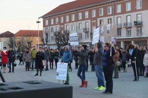 V Žiari sa dnes stretlo asi dvesto ľudí.