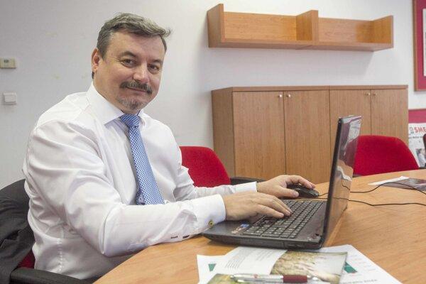 Predseda SMK József Berényi  odpovedá na otázky čitateľov SME.