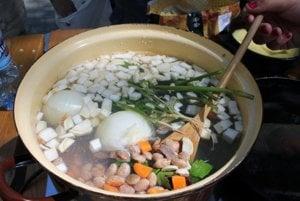 Sebedražská babka vo fazuli je názov gastronomickej súťaže.