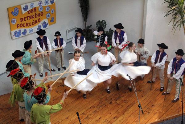 Súčasťou Zimných slávností Hornonitria je každoročne aj Deň detského folklóru.