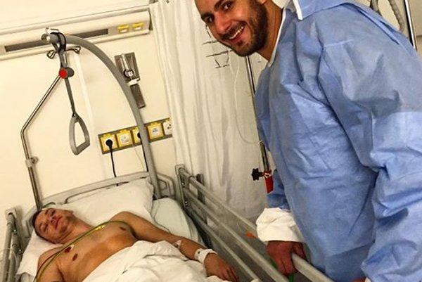 Basketbalista v nemocnici.