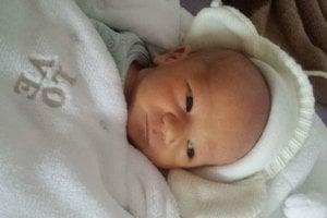 Jakub Obžera (3100 g, 50 cm) sa narodil 15. marca Nadežde a Tomášovi z Bánoviec nad Bebravou. Na bračeka sa doma teší 2,5-ročná sestrička Lucia.