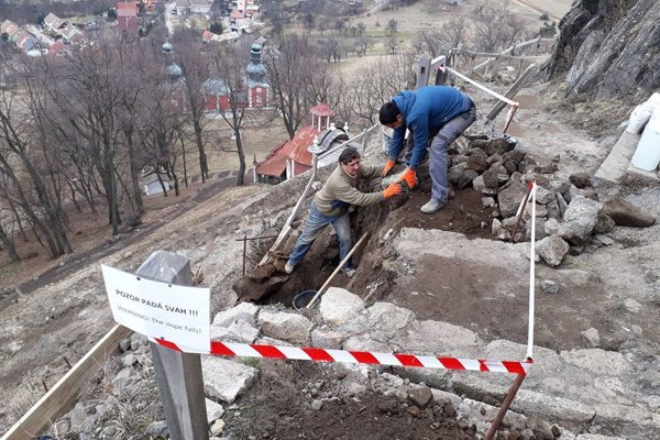 Oprava chodníka na kalváriu