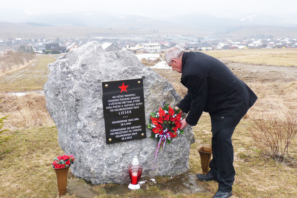 Pamätník vojakom apadlým vdruhej svetovej vojne sa nachádza pri cyklotrase. Pred pár týždňami pri ňom vznikla aj malá oddychová zóna.