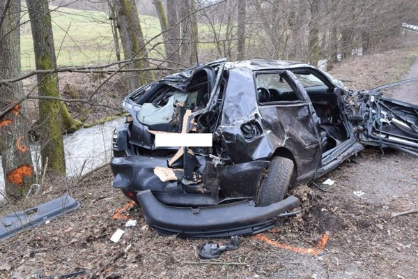Počas Veľkej noci došlo aj k vážnej nehode.
