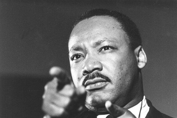 Reverend  Martin Luther King na nedatovanej archívnej snímke.