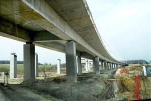 Most cez Torysu pri Vajkovciach bude mať 542 metrov.