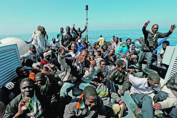 Títo utečenci majú šťastie. Ich púť sa skončila v Taliansku.