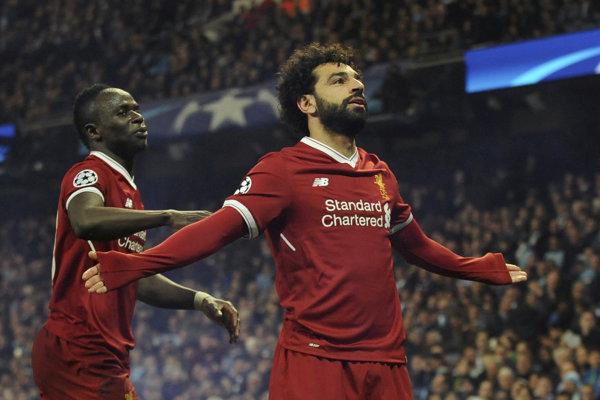 Mohamed Salah (vpravo) je hviezdou FC Liverpool.
