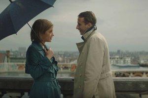 Matthias Schoenaerts a Adèle Exarchopoulos vo filme Darebák a pretekárka.