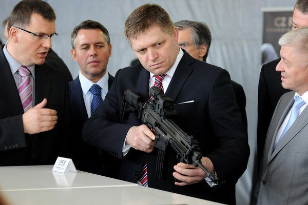 Falošná zbraň.