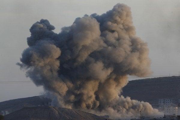 Kurdi bojujú s džihádistami o Kobani.
