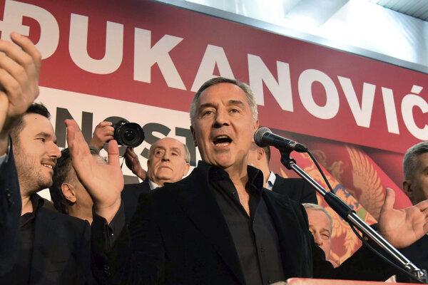 Spomedzi šiestich uchádzačov o post prezidenta bol favoritom práve Djukanovič.