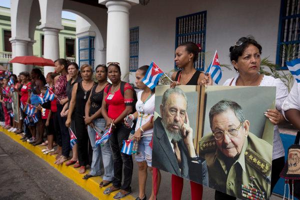 Len málo Kubáncov si pamätá, že by im vládol diktátor bez mena Castro.