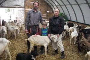 Koziu farmu v Janovej Lehote obhospodaruje rodina Bahnovcov.